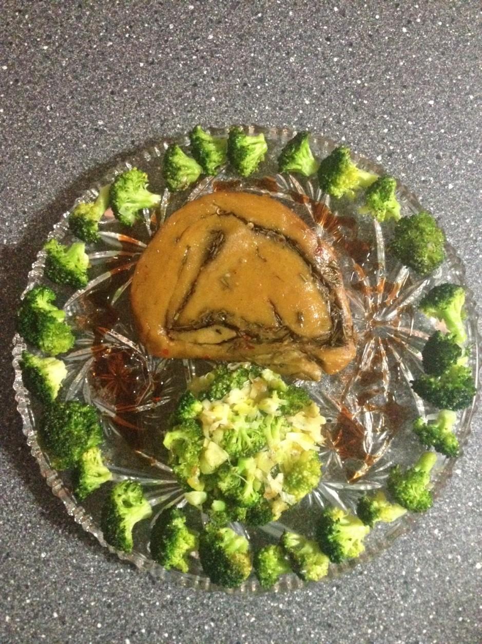Arrosto Vegan Roast Beef Broccoli