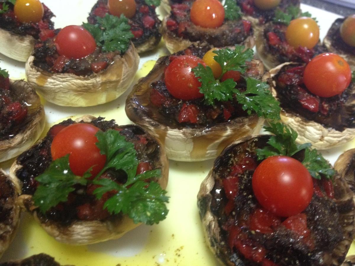 Ciuperci umplute - rețetă raw vegană