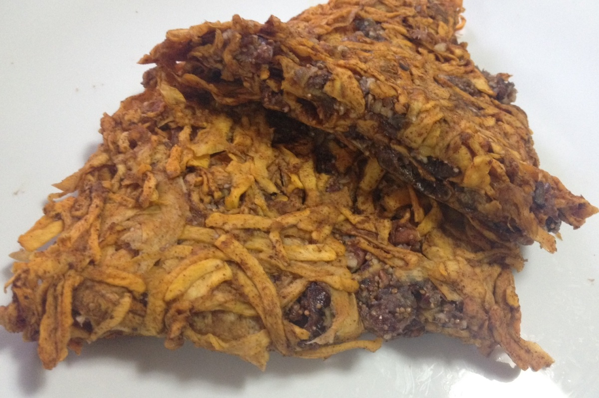 Plăcintă din foi de dovleac umplută cu smochine și nuci